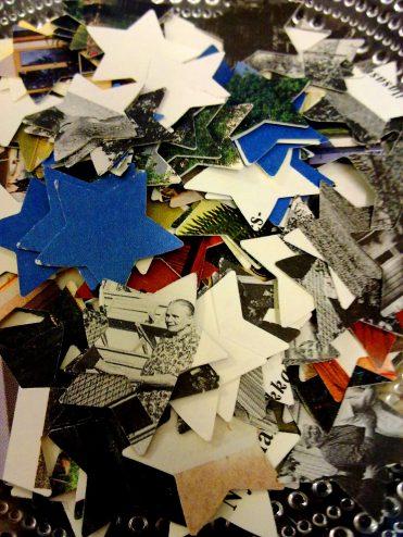 Paperitähtiä leikattu poistokirjoista.