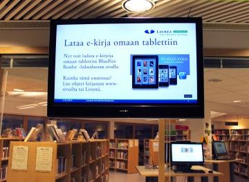 Vanha iso näyttö siirrettiin kirjaston eteen ja tietohallinnon kanssa otettiin käyttöön info-tv-järjestelmä. Se on osoittautunut oivaksi tiedotuskanavaksi.