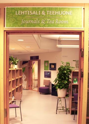 Lehtihuoneen kyltistä tehtiin vihreä.