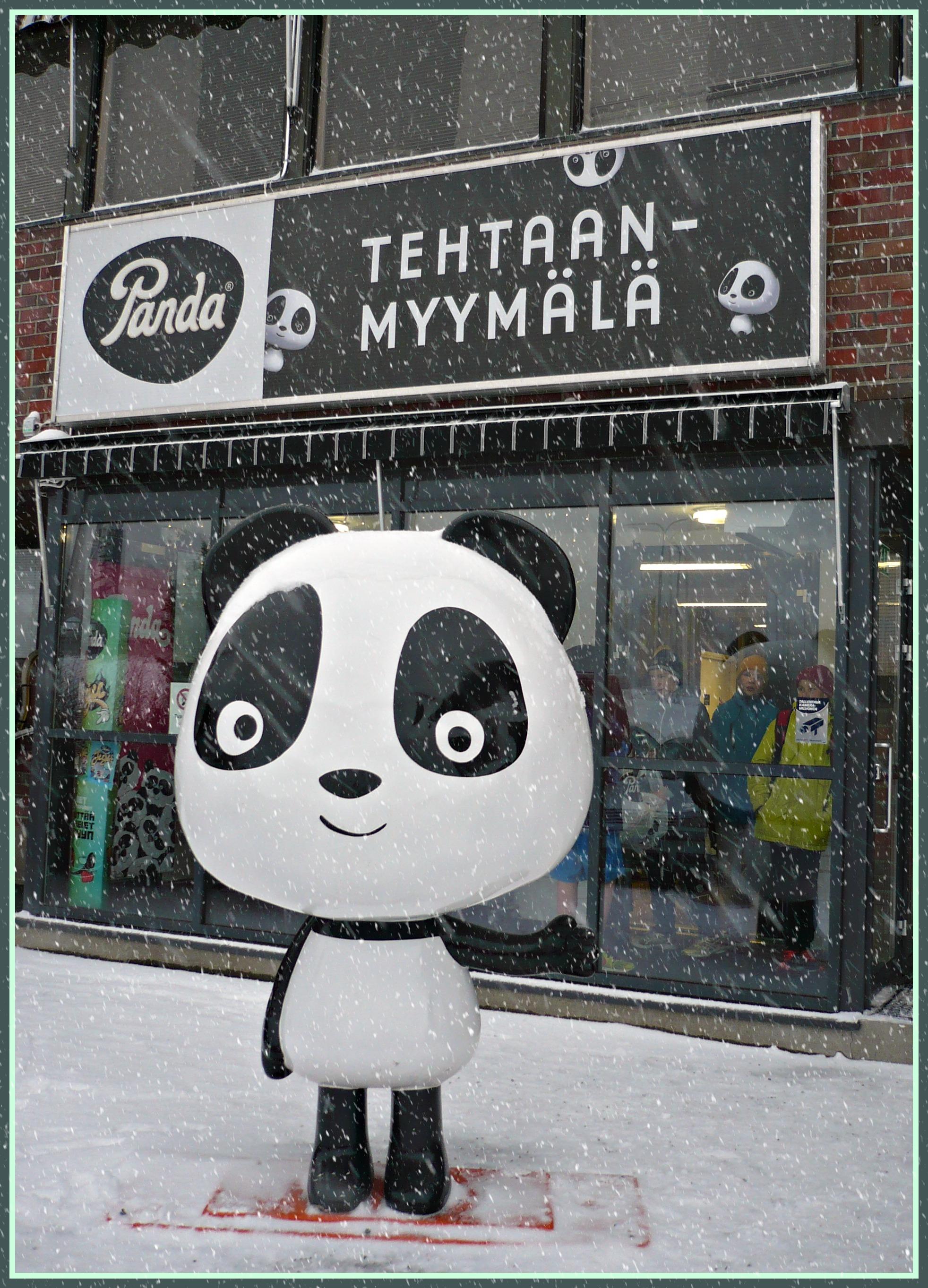 Luukku 17. Yhtä en vaihtaisi – Pandan Juhlapöydän konvehdit – Hakuammunnasta täysosumiin
